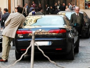 Auto Blu: costi dimezzati entro tre anni, presto un Decreto Legge.