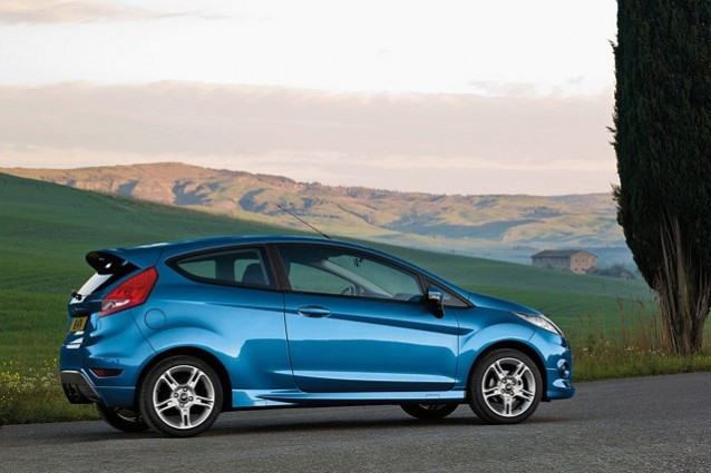 Caro-benzina? La Ford Fiesta GPL  in offerta!