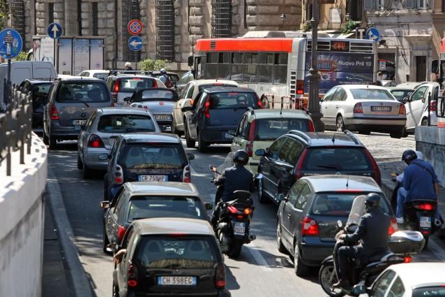 Niente bollo auto per tre anni per le auto nuove