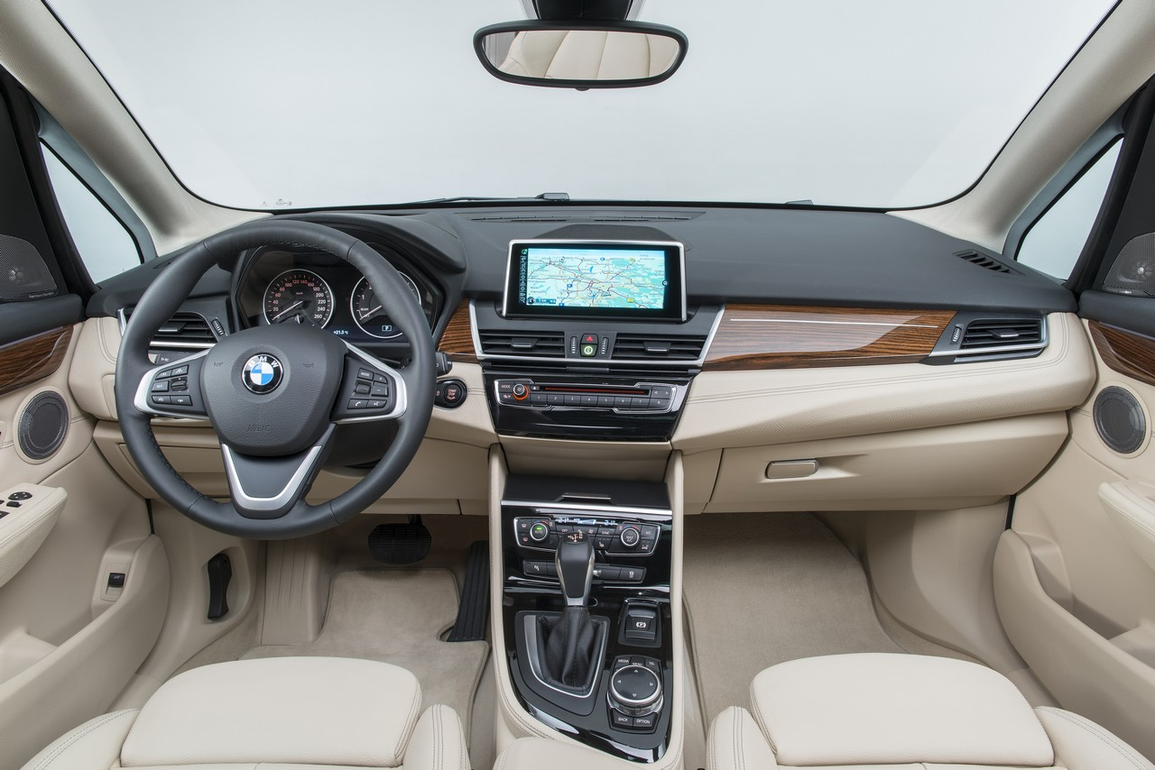bmw serie 2 active tourer 216d wroc awski informator. Black Bedroom Furniture Sets. Home Design Ideas