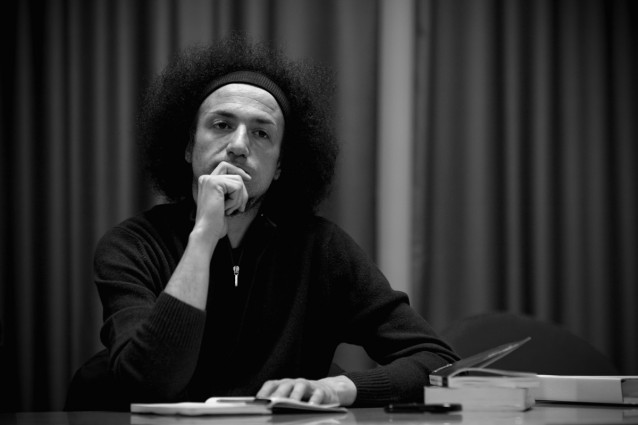 Minacciati, aggrediti, intimiditi/ La missione del giornalista Emiliano Morrone: denunciare la 'Ndrangheta in terra di 'Ndrangheta.