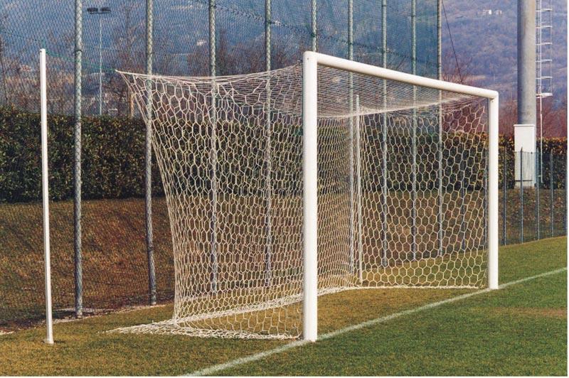 Video divertenti calcio portiere segna da ottanta metri - Misure porta di calcio ...