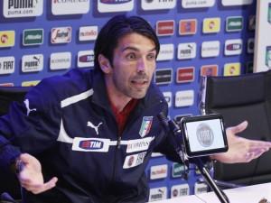 Gigi Buffon nel ciclone: avrebbe scommesso per 1,5 milioni di euro.