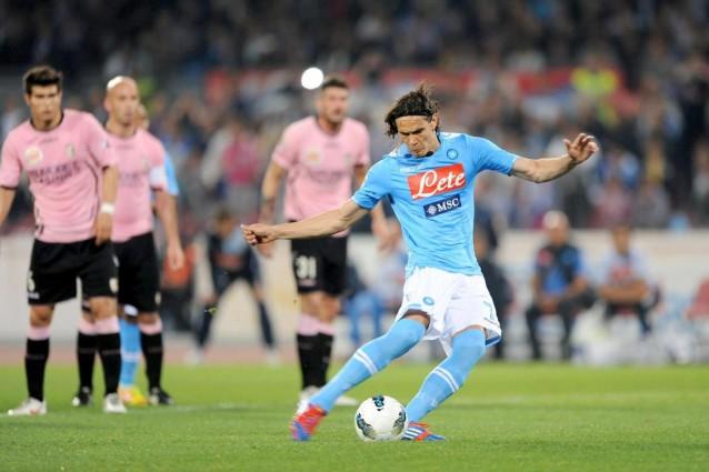 Calcio, Napoli-Palermo 2-0