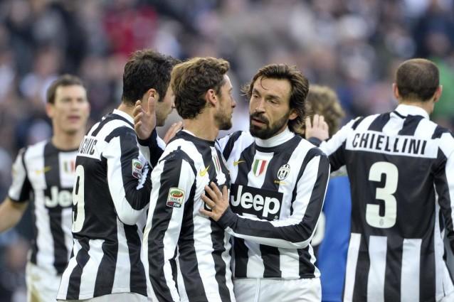 Juventus atalanta 3 0 vucinic pirlo e marchisio domano i for Scarica sfondi juventus gratis