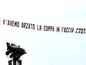 Striscione-aereo-Lazio-300x225.jpg