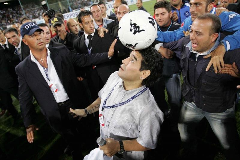 Maradona-per l\'addio di Ferrara