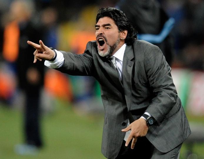 Maradona-in-panchina