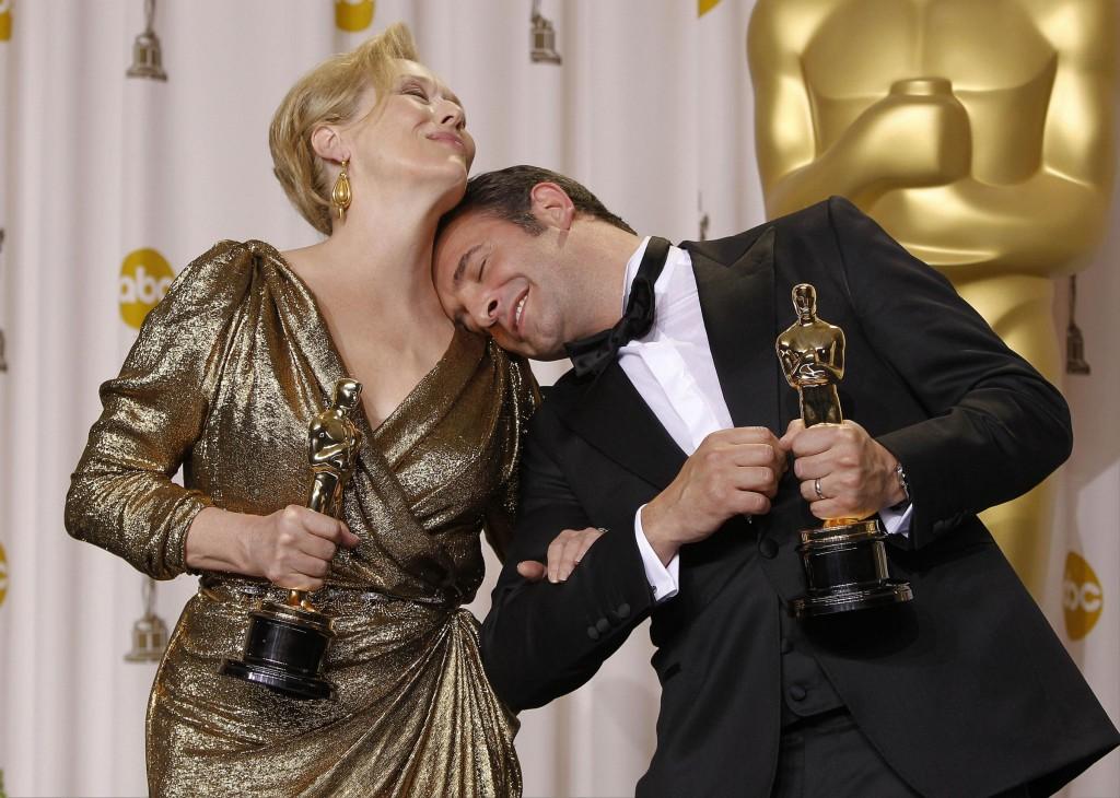 Le premiazioni degli attori agli oscar 2012 video for Dujardin oscar