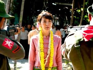 Dal 23 marzo al cinema rivive la storia dell'attivista politica, premio Nobel per la pace, Aung San Suu Kyi che ha dato tanto nella difesa dei diritti umani del suo paese, la Birmania. Un cast di stelle dirette da un gotha del cinema contemporaneo, Luc Besson.