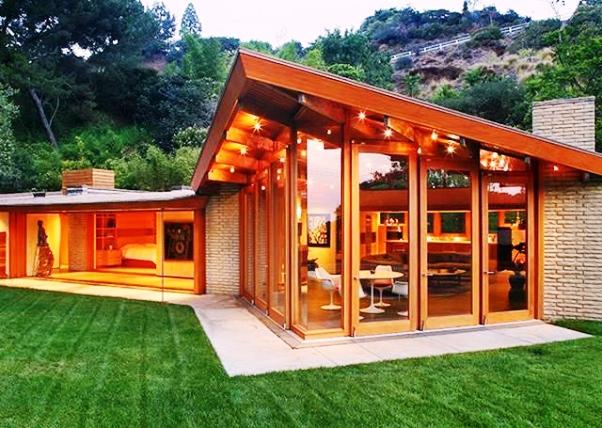 Katy perry compra casa a hollywood per 12mln di dollari le for Piano e design della casa con tre camere da letto