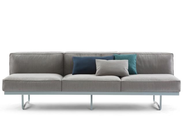 Le corbusier al salone del mobile 2014 con il divano lc5 for Corbusier mobel