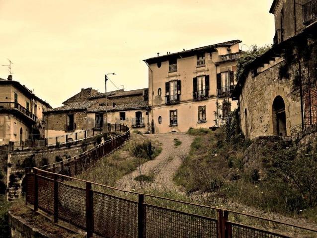 I paesi fantasma d italia ecco le citt e i borghi for Luoghi abbandonati nord italia