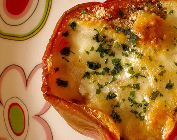 Peperoni imbottiti di maccheroni piatto unico per pranzo in famiglia - Cucina fanpage secondi piatti ...