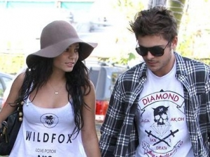 Vanessa Hudgens con Zac Efron, foto di un tenero pomeriggio.