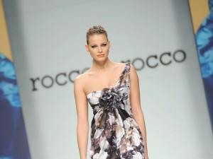 Ivana Mrazova sfila per Roccobarocco