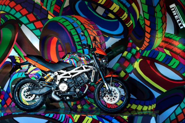 Murales e colori per pirelli al pitti 2013 for Murales per cucina