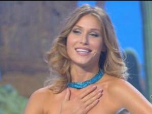 Olga Kent: sexy look per la prima puntata di Colorado (FOTO)