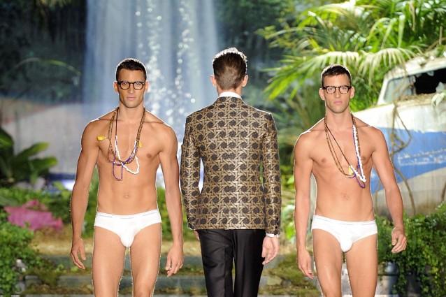 Relativamente ai mercati di approvvigionamento, la Cina, top supplier in grado di assicurare il 23% circa della moda uomo importata in Italia, tornata in area positiva nel
