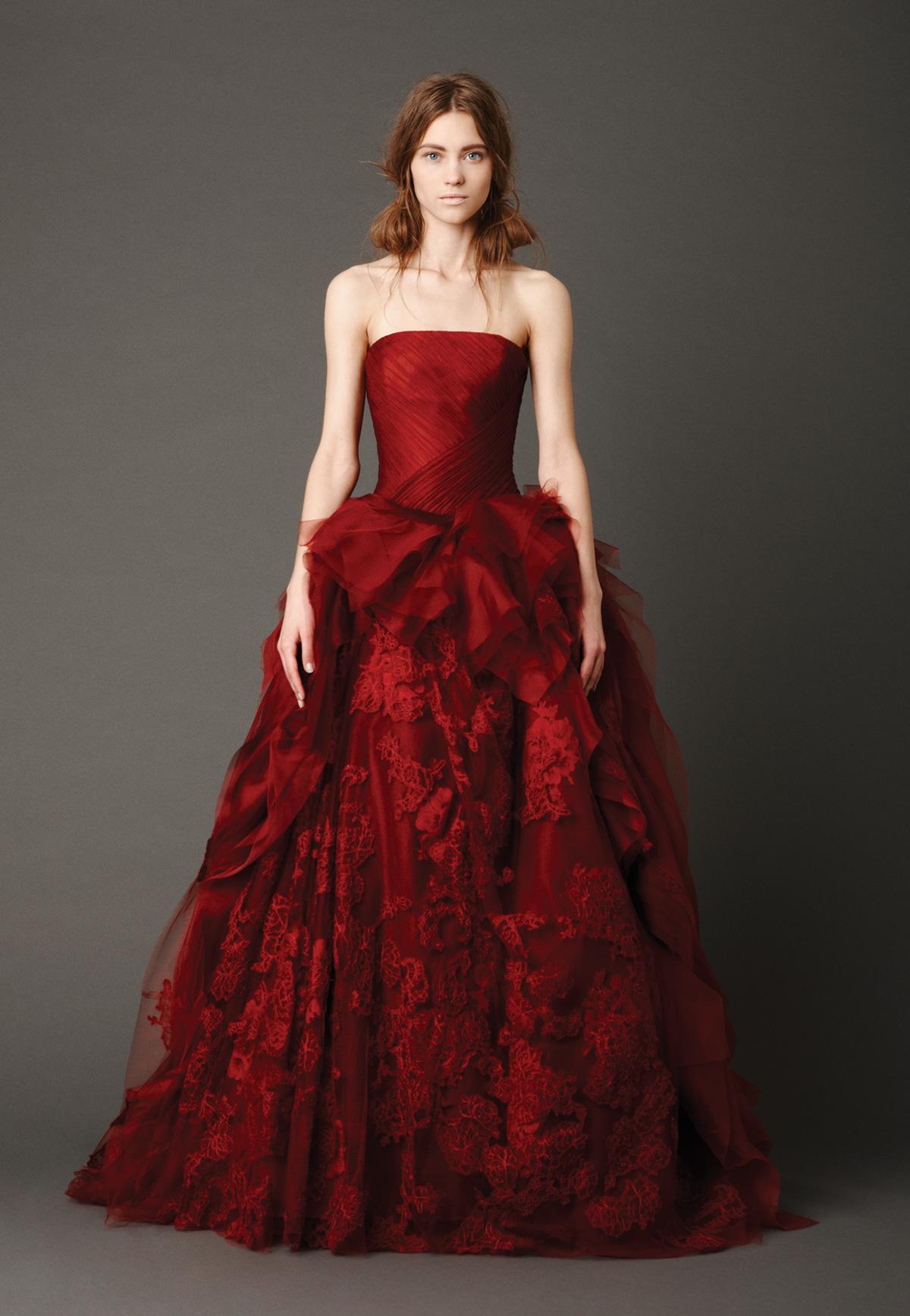 Abiti da sposa colorati tendenze originali per il matrimonio  Donna ...