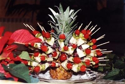 antipasto presentato nell ananas