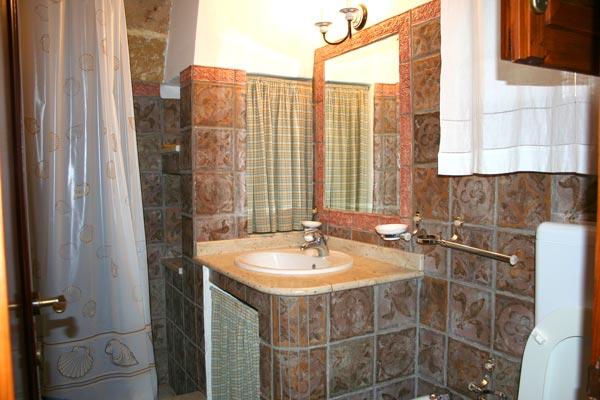 Naxos piastrelle bagno [tibonia.net]