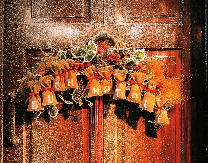 Balconi addobbati per natale donna fanpage - Addobbi natalizi per la porta ...