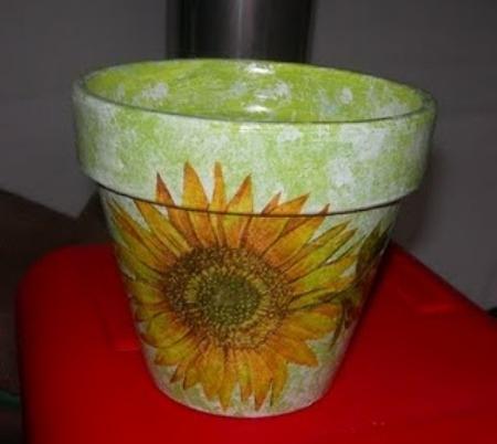 Come decorare un vaso di terracotta donna fanpage - Decorare vasi terracotta ...