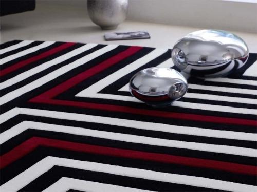 Come disporre i tappeti in casa donna fanpage - Tappeti moderni di design ...