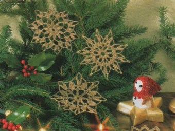 decorazioni-alluncinetto-dorate-per-albero-800x540
