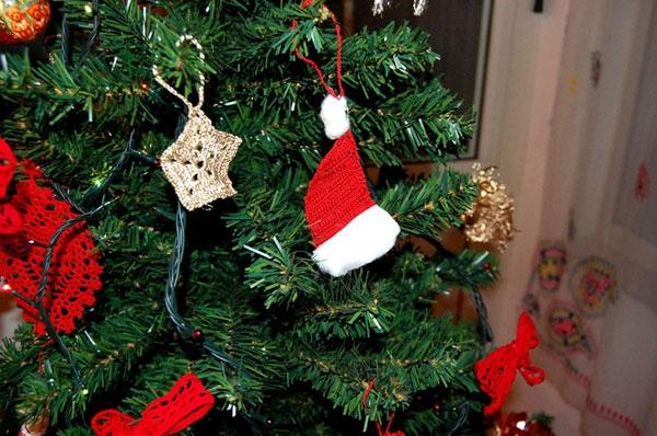 Uncinetto per decorazioni natalizie donna fanpage for Decorazioni natalizie personalizzate