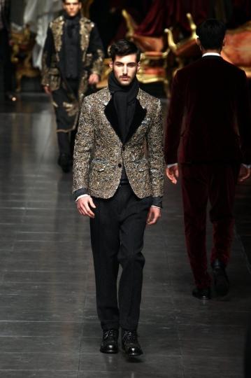 giacca-con-fantasia-barocca