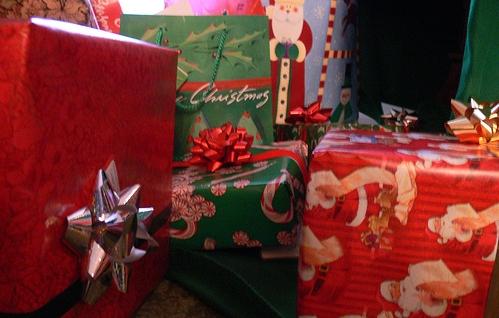 Pacchetti regalo per natale donna fanpage for Immagini di pacchetti regalo