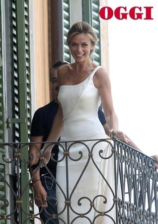 cheap for discount 3bd6c a1691 serena autieri abito sposa armani   Donna Fanpage