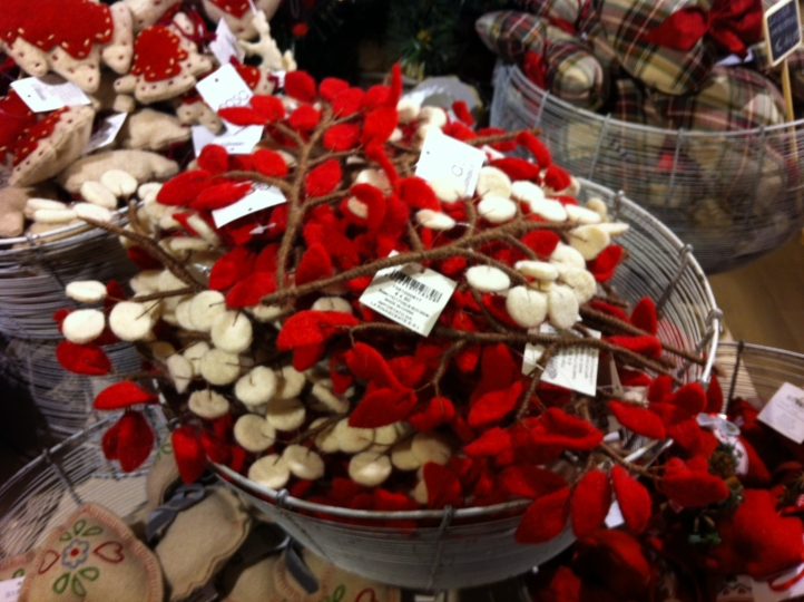 Un natale di stoffa donna fanpage - Rami decorativi natalizi ...