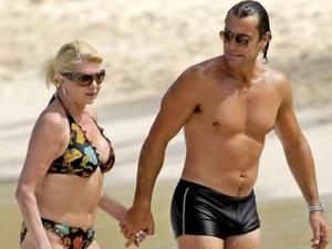 Isola dei Famosi 2010 Ivana Trump naufraga con l'ex marito Rubicondi