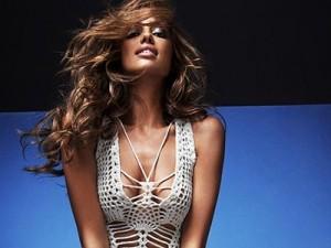 Irina Shayk scandalizza la Spagna con il nudo integrale