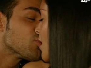 bacio tra diletta e leo