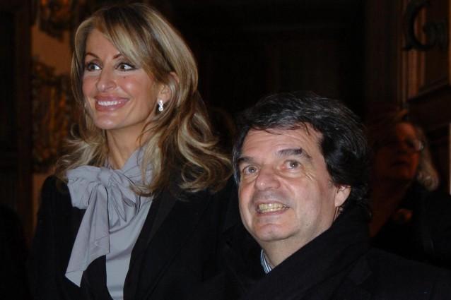 http://static.fanpage.it/gossipfanpage/wp-content/uploads/2011/07/Brunetta-e-la-moglie-Titti-Giovannoni-638x425.jpg