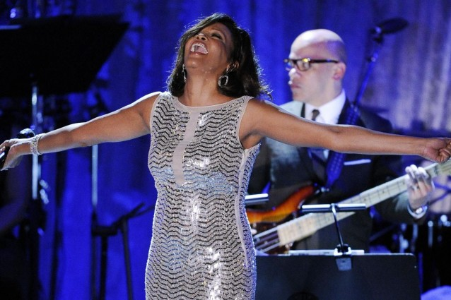 Addio Whitney Houston, l'ultimo saluto dei vip su Twitter.