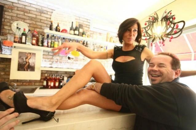 http://static.fanpage.it/gossipfanpage/wp-content/uploads/2012/02/la-sexy-barista-laura-maggi-638x425.jpg