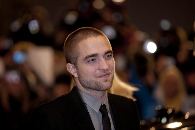 Robert Pattinson ignora Lindsay per far piacere alla Stewart.