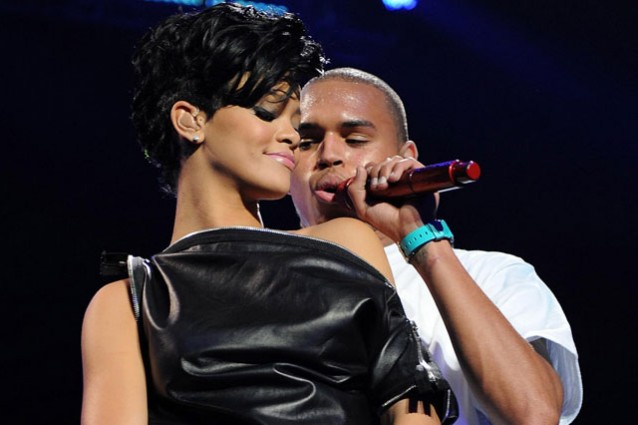 Rihanna si riconcilia con Chris Brown.