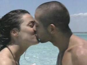 Nonostante siano passati sei anni dall'inizio della loro storia d'amore, rivedere i momenti che hanno portato Paola Frizziero tra le braccia di Salvatore Angelucci