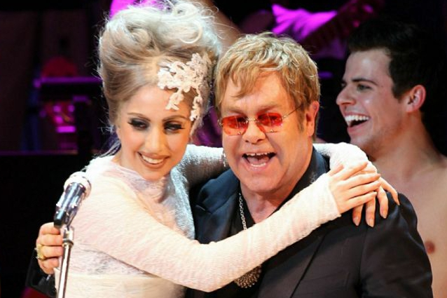 Lady Gaga rischia l'anoressia, Elton John in ansia.