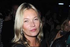 Paulina rubio hot la cantante scende dal suv e resta in mutande foto gossip fanpage - Dive senza slip ...