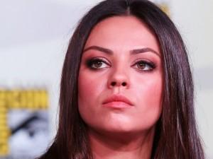 Mila Kunis è troppo grassa e Dior la licenzia.