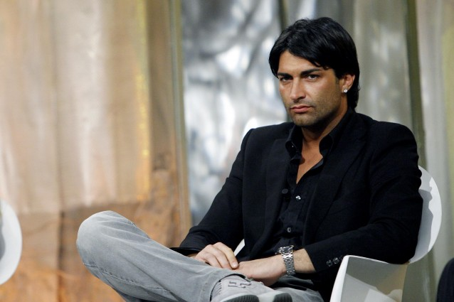 Giorgio Alfieri fa shopping di lusso a Milano e sorride ai ...