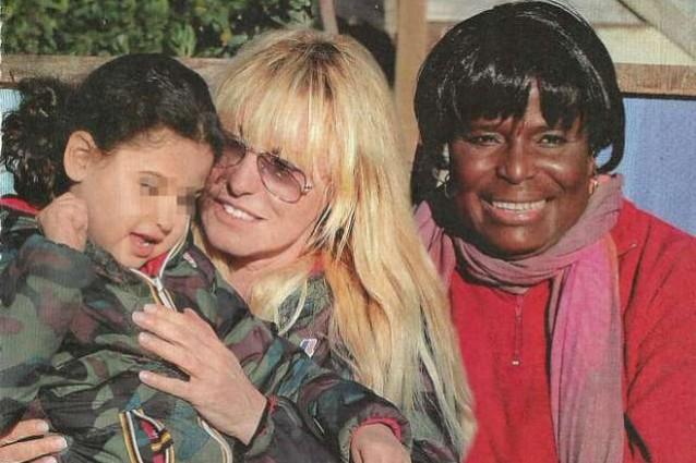 Antonella Clerici con Maelle e la suocera Regine, mamma di Eddy (FOTO): gossip.fanpage.it/antonella-clerici-con-maelle-e-la-suocera-regine...