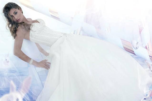 Belen Rodriguez non ha ancora pagato l'abito da sposa